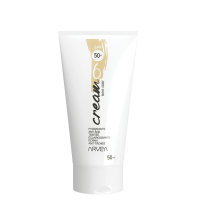 La Six Cream est : Hydratante Anti âge Ecran SPF 50+ Teinté Anti Tâches Eclaircissante Apporte un toucher doux e...