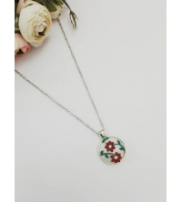 Collier Red Embroidery
